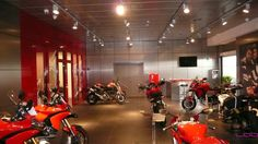 RESTYLING SHOWROOM DUCATI - Picture gallery
