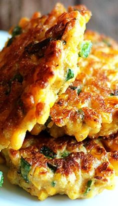 Jalapeño Corn Fritters - Flavor-packed, crispy corn fritters with chopped jalapeño and seasonings. Corn Dishes, Vegetable Dishes, Mexican Food Recipes, Vegetarian Recipes, Cooking Recipes, Mexican Corn Cakes, Vegetarian Dinners, Side Dish Recipes, Vegetable Recipes