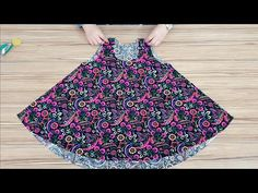 Baby Frock Cutting and Stitching Girls Dresses Sewing, Frocks For Girls, Baby Frocks Designs, Kids Frocks Design, Frock Design, Baby Girl Party Dresses, Baby Dress, Girl Outfits, Fashion Outfits