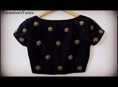 No photo description available. Saree Blouse Neck Designs, Fancy Blouse Designs, Bridal Blouse Designs, Kurta Designs, Stylish Blouse Design, Designer Blouse Patterns, Blouse Models, Work Blouse, Kalamkari Fabric