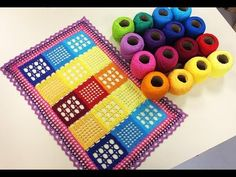 Programa Arte Brasil - - Cris Vasconcelos - Dicas de Como Esticar e Engomar Toalhas em Crochê Exibido dia: 24/02/2015 Assista a essas dicas imperdíveis da Cr... Crochet Stitches, Knit Crochet, Crochet Patterns, Crochet Table Mat, Crochet Videos, T Shirt Yarn, Doilies, Pot Holders, Rugs
