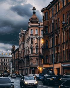 Nature Architecture, Classic Architecture, Aesthetic Painting, Amazing Buildings, Petersburg Russia, Beautiful Places In The World, City Photography, Fantasy Landscape, Background Pictures