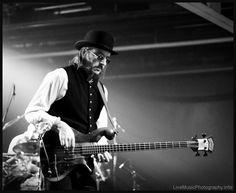 Les Claypool king of the bass Music Album Covers, Music Albums, Great Bands, Cool Bands, Music Love, My Music, Les Claypool, Esp Guitars, Jazz Musicians