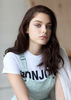 'The Giver' Star Odeya Rush Opens Up About Her Big Break and Becoming BFFs with… beauty girl 'The Giver' Star Odeya Rush Opens Up About Her Big Break and Becoming BFFs with Taylor Swift Pretty People, Beautiful People, Beautiful Women, The Most Beautiful Girl, Girl Face, Woman Face, Brunette Girls, Female Character Inspiration, Beauty And Fashion