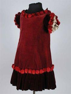 Burgundy velvet child's dress, 1880s, via Rotterdam Museum.