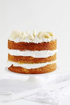 This banana cake with fresh banana curd is one for the archives… lovely and rich and the perfect combination of naturally sweet and satisfying!| Food Recipe | Dessert Recipe #dessert #cake
