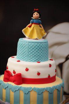 Snow White Cake #fooddecoration, #food, #cooking, https://apps.facebook.com/yangutu