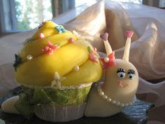 Miss Escargo by Pamkakor on Cake Central on we heart it / visual bookmark #16009104