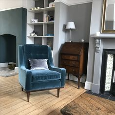 Chairs At Ashley Furniture Refferal: 8892146475 White Dinning Chairs, Farmhouse Dining Chairs, Leather Dining Room Chairs, Dining Table Chairs, Blue Lounge, Living Room Colors, Living Room Decor, Drawing Room Blue, Farrow And Ball Living Room