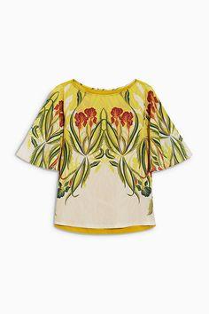 Und noch ein bisschen Tropenstimmugn: Next T-Shirt mit Blumendruck