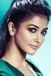 Pooja Hegde Indian Film Actress, Indian Actresses, Beauty Around The World, Exotic Beauties, Indian Celebrities, Cute Faces, India Beauty, Woman Face, Bollywood Actress