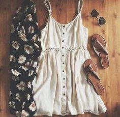 Image via We Heart It #cool #cute #dress #grunge #hipster #leah #love #outfit #summer #teen #tumblr #want #summeroutfit