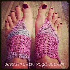 Schnittchen's Yoga Socken sind jetzt auch auf Ravelry zu finden!  Bei diesen Yoga Socken könnt ihr eure Sockenwollreste verarbeiten.