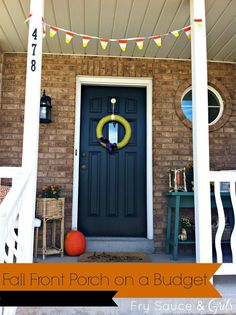 Fall Front Porch Decor from FrySauceandGrits.com #frontporch #decor #decorating #fall #diy #budget #halloween