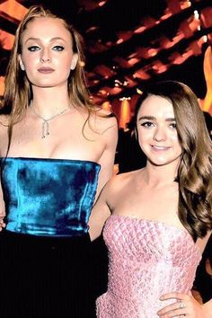 Maisie Williams and Sophie Turner's 15 Best BFF Moments | Teen Vogue