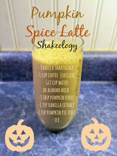 Try this absolutely delicious and healthy rendition of a Starbucks favorite - Pumpkin Spice Latte Shakeology! You will not be disappointed! Check out the bio link to see the nutritious recipes for you every day . Shakeology Chocolat, Vanilla Shakeology, Chocolate Shakeology, Vegan Shakeology, Chocolate Protein, Protein Shake Recipes, Smoothie Recipes, Protein Shakes, Healthy Shakes