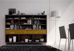 Estantería en madera combinada con cajón en amarillo Bookcase, Shelves, Home Decor, Weapons Guns, Black Furniture, Drawers, Quartos, House Decorations, Interiors