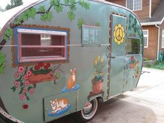 Love all the paint, but esp the window trim Tiny Trailers, Vintage Campers Trailers, Camper Trailers, Caravan Vintage, Vintage Caravans, Camper Caravan, Caravan Gifts, Hippie Camper, Little Trailer