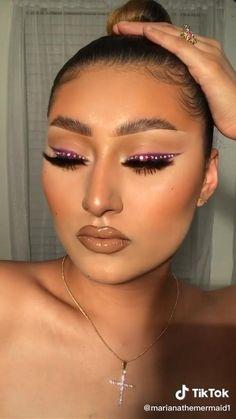 Glitter Makeup Looks, Glam Makeup Look, Makeup Eye Looks, Creative Makeup Looks, Glamorous Makeup, Pretty Makeup, Gem Makeup, No Eyeliner Makeup, Skin Makeup