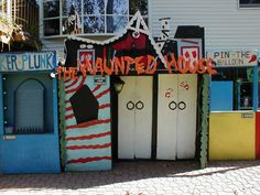 A fan built is own Haunted House and game center modeled after Trimper's in the mid 1990s.