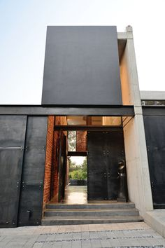 Image 19 of 40 from gallery of House Sher / Eftychis Architects. Courtesy of Eftychis Architects