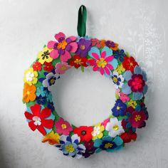 Summer Felt Flower Wreath, via Flickr.