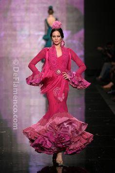 Fotografías Moda Flamenca - Simof 2014 - Faly de la Feria al Rocio 'Volantes de plata' Simof 2014 - Foto 10