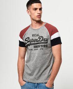 Superdry Mens Vintage Logo Raglan T-Shirt Mens Stylish T Shirts, Nike Mens Shirts, Casual Shirts, Tee Shirts, Vintage Logo, Vintage Men, Tee Shirt Homme, Superdry Mens, Tee Shirt Designs