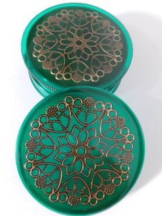 Green and Bronze Three part Magnetic Herb Weed Tobacco Grinder Magnets, Paper Crafts, Gift Wrapping, Herbs, Bronze, Cool Stuff, Filigree, Unique Jewelry, Weed