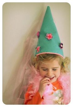 Felt + tulle princess hat tutorial by a happy nest. #thevanillabeanblog