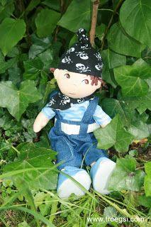 troegsi: Matze und der Puppenpapa als Pirat: einfache Mütze...