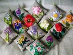 Manos que crean por Maria Luiza: bordado en cinta Ribbon Art, Diy Ribbon, Ribbon Crafts, Embroidery Needles, Silk Ribbon Embroidery, L'art Du Ruban, Band Kunst, Sewing Crafts, Sewing Projects