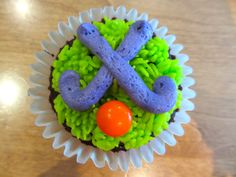 Field Hockey Cupcakes! Cute idea for field hockey bake sale
