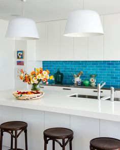 This will look superb Kitchen Soffit Ideas Kitchen Splashback Tiles, Home Kitchens, Kitchen Remodel, Kitchen Design, Kitchen Inspirations, Dwell Kitchen, Kitchen Colors, Kitchen Soffit, Bold Kitchen