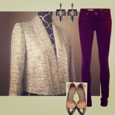 HOST PICKalice + olivia silvery blazer Gorgeous and classy! Two clasps to close. Style suggestions shown. Alice + Olivia Jackets & Coats Blazers