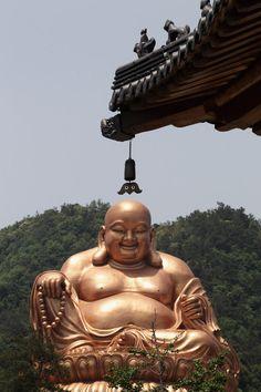 Laughing Buddha. Ningbo, China. Buda Wallpaper, Lucky Wallpaper, Buddha Art, Buddhist Monk, Buddhist Temple, Laughing Buddha Meaning, Buddha India, Buddha Symbols, Buddhism