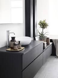 Dekton is a great option for bathrooms. Easy to clean, resistant to chemicals and the soft black of Dekton Ananke combined with clean colors is giving your wellness area a modern and timeless look. Bad Inspiration, Bathroom Inspiration, Interior Inspiration, Spa Interior, Bathroom Interior, Upstairs Bathrooms, Laundry In Bathroom, Interior Cladding, Inside A House