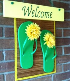 af2813661ee0f 9 Fun Flip Flop Decorations and Crafts for your Home