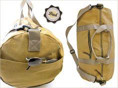 Tutorial: reistas. Met een vrouwelijk printje ook geschikt voor dames natuurlijk ;-)  Tutorial:Safari Duffle Bag in Canvas & Faux Leather. With fabric with a girley print also for woman.