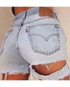 AlexMade l Vintage Levi Distressing Vintage Levi shorts ripped shorts distressed shorts *This pic & shorts is not by AlexMade - Found on Pinterest Ripped Shorts, Ripped Denim, Denim Shorts, Cutoffs, Distressed Shorts, Girly Outfits, Stylish Outfits, Sexy Outfits, Summer Outfits