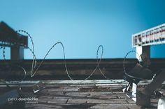 Ehemaliges militärisches Sperrgebiet am Teufelsberg Berlin. Abhöranlage der US-Armee im Kalten Krieg.  #berlin #teufelsberg #berlinlovers #travel #citytrip #mitdemzug #instagood #abandoned #abandonedplaces #places #germany #history #surveillance #canon #eos  Mit @vicimitterwallner & @jjohannarichter. Canon Eos, Utility Pole, Instagram, Cold War, Army