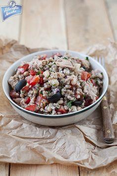 Sałatka z kaszy gryczanej i tuńczyka