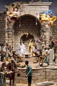 Portal de Belén del pesebre napolitano de los Duques de Cardona expuesto en Madrid esta Navidad 2014
