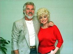 Dolly Parton and Kenny Rogers on Why They Never Dated: 'We Didn't Want to Ruin a Good Friendship' — People Country Love Songs, Country Music Artists, Country Music Stars, Country Musicians, Friendship Songs, Best Friendship, Dolly Parton Young, Dolly Parton Kenny Rogers, Islands In The Stream