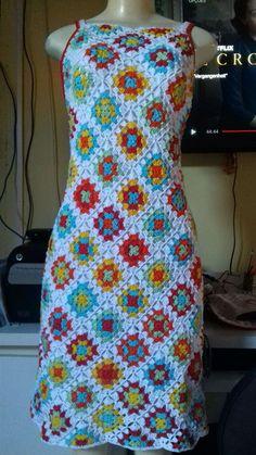 Compre Vestido de Crochê no Elo7 por R$ 300,00   Encontre mais produtos de Vestido e Roupas parcelando em até 12 vezes   Vestido de crochê, B72C0B Crochet Skirts, Crochet Cardigan, Crochet Clothes, Hippie Crochet, Crochet Lace, Crochet Granny, Crochet Summer, Crotchet Patterns, Knitting Patterns