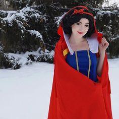 DIY Snow White Halloween Costume Idea