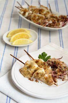 Non avevo mai preparato i calamari gratinati al forno, ma grazie al gioco dello scambio ricette tra blogger abbinate a sorpresa su Facebook, ognuna di noi si impegna a realizzare una ricetta del blog