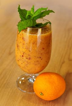 This delicious and refreshing fruit smoothie contains all of the goodness you need.  Check out these amazing Health Benefits:  This smoothie is rich in fibre, vitamins, nutrients and antioxidants - helping to boost your immune system and encourage cell growth. Kiwi fruits are packed with many vitamins and minerals. They contain even more Vitamin C than oranges! Kiwi fruit is also a great detox fruit and gets the bowels moving. Contains natural sugars for a healthy energy source. Keeps you