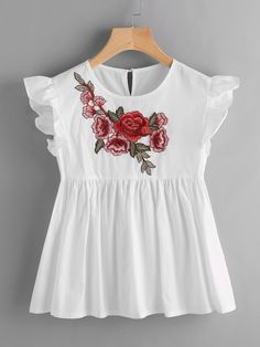 Shop Embroidered Applique Frill Trim Keyhole Back Smock Top online. SheIn offers Embroidered Applique Frill Trim Keyhole Back Smock Top & more to fit your fashionable needs. Love Fashion, Girl Fashion, Fashion Dresses, Trendy Outfits, Kids Outfits, Cute Outfits, Traje Casual, Diy Kleidung, Kids Frocks