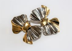 Gold & Silver Coloured Bows Clip On Earrings (c1980s) by GillardAndMay on Etsy